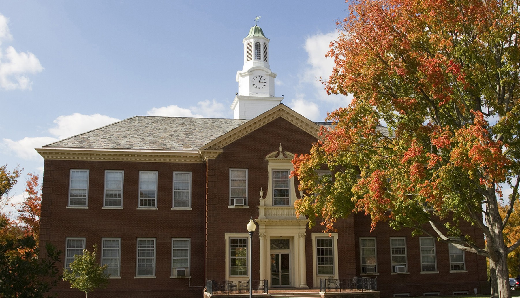 Midway University offers bachelor's and masters programs on campus and online.